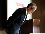 February 14, 2017, Tokyo, Japan - Japan's troubled electronics giant Toshiba president Satoshi Tsunakawa bows is head as he announces the company's third quarter financial result at the Toshiba headquarters in Tokyo on Tuesday, February 14, 2017. Toshiba chairman Shigenori Shiga will step down to take responsibility for the huge loss of a 712.5 billion yen (6.3 billion US dollars) on its nuclear business in the United States.   (Photo by Yoshio Tsunoda/AFLO) LwX -ytd