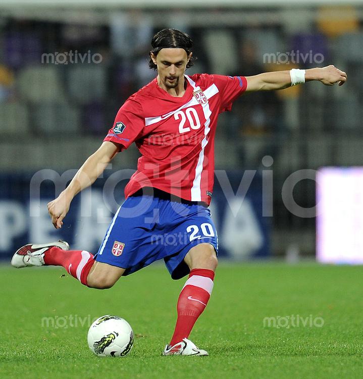 FUSSBALL INTERNATIONAL  Qualifikation Euro 2012  11.10.2011 Slowenien - Serbien Neven SUBOTIC (Serbien)