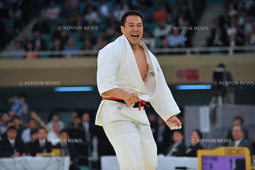 Takamasa Anai,.APRIL 29, 2013 - Judo :.Takamasa Anai celebrates winning the 2013 All Japan Judo Championships Final match at Nippon Budokan in Tokyo, Japan. (Photo by Hitoshi Mochizuki/AFLO)