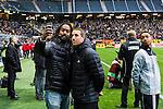 BETALBILD Solna 2015-03-07 Fotboll Allsvenskan AIK - Hammarby IF :  <br /> SVT:s programledare David Fj&auml;ll tar en selfie tillsammans med AIK:s Kenny Pavey inf&ouml;r matchen mellan AIK och Hammarby IF <br /> (Foto: Kenta J&ouml;nsson) Nyckelord:  AIK Gnaget Friends Arena Svenska Cupen Cup Derby Hammarby HIF Bajen portr&auml;tt portrait selfie TV SVT
