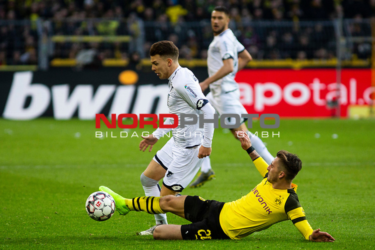 09.02.2019, Signal Iduna Park, Dortmund, GER, 1.FBL, Borussia Dortmund vs TSG 1899 Hoffenheim, DFL REGULATIONS PROHIBIT ANY USE OF PHOTOGRAPHS AS IMAGE SEQUENCES AND/OR QUASI-VIDEO<br /> <br /> im Bild | picture shows:<br /> Maximilian Philipp (Borussia Dortmund #20) im Duell mit Dennis Geiger (Hoffenheim #8),  <br /> <br /> Foto &copy; nordphoto / Rauch