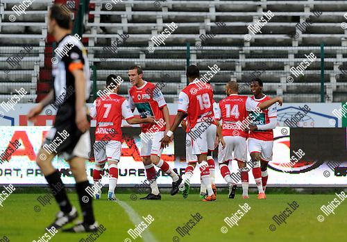 2012-04-20 / Voetbal / seizoen 2011-2012 / R. Antwerp FC - Eendracht Aalst / Antwerp viert de 1-1 van John Cofie (r.)..Foto: Mpics.be