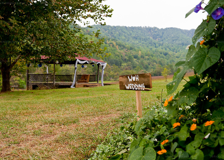 The day we visited, the yard and gazebo at Mountain Cove Vineyards were still decorated from a wedding the day before.