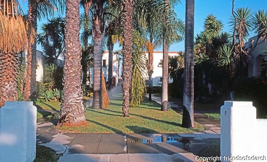 San Diego: Bungalow Court, 4th Avenue.   (Photo '85)