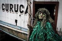 PRETINHO MANGUE-CARNAVAL-CIDADE - Neste domingo (7), cerca de 10 mil brincantes vestiram o abada ecologico, no bloco Pretinhos do Mangue, no municipio de Curuca, nordeste do Para. <br /> Foto Tarso Sarraf <br /> 2016