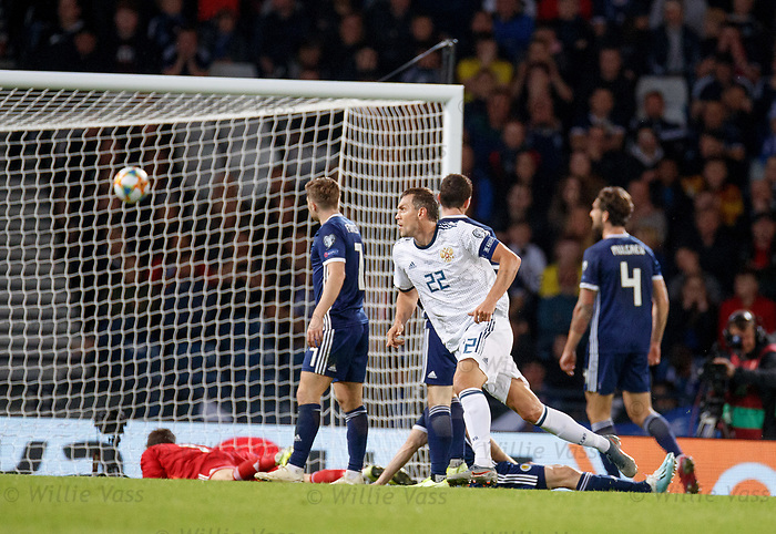 06.09.2019 Scotland v Russia, European Championship 2020 qualifying round, Hampden Park:<br /> Artem Dzyuba scores and celebrates his goal for Russia