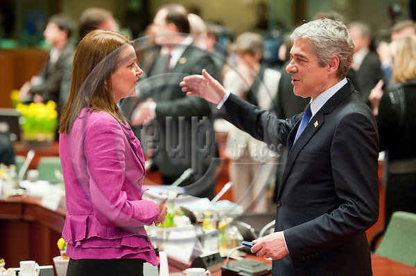 Brussels-Belgium - March 24, 2011 -- European Council, EU-summit with Heads of State / Government; here, Mari KIVINIEMI (le), Prime Minister of Finland, with José SÓCRATES (Jose Socrates) (ri), Prime Minister of Portugal -- Photo: Horst Wagner / eup-images