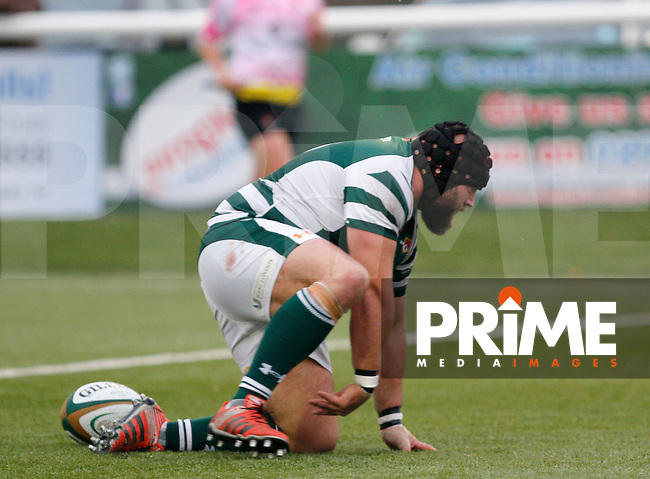 Ealing's Alexander Penney scores a try during the Greene King IPA Championship match between Ealing Trailfinders and Bedford Blues at Castle Bar , West Ealing , England  on 29 October 2016. Photo by Carlton Myrie / PRiME Media