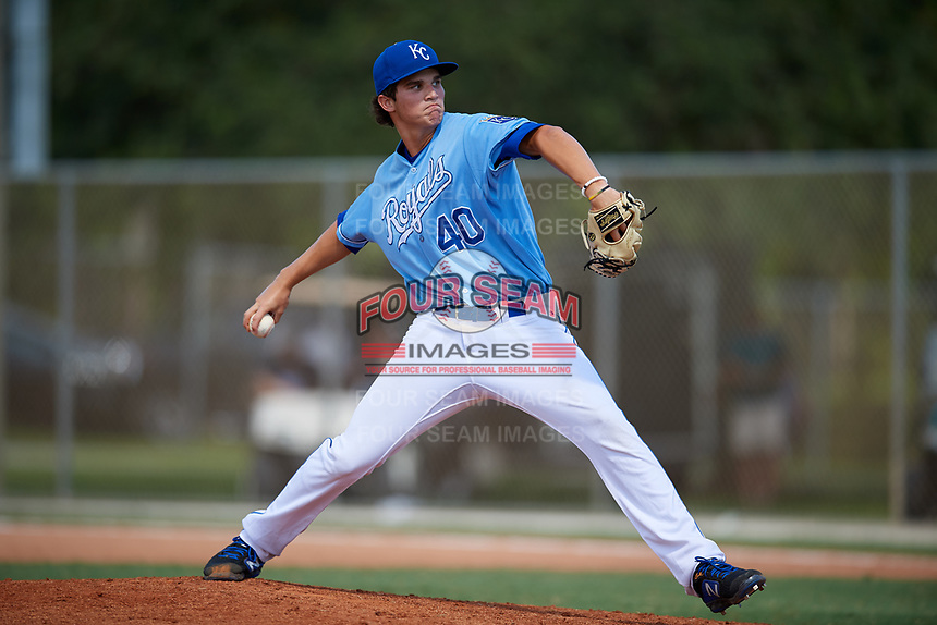 Heston Tole during the WWBA World Championship at the Roger Dean Complex on October 19, 2018 in Jupiter, Florida.  Heston Tole is a first baseman / right handed pitcher from Bowie, Texas who attends IMG Academy and is committed to Arkansas.  (Mike Janes/Four Seam Images)