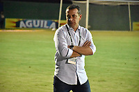 MONTERIA - COLOMBIA, 19-08-2018: Guillermo Sanguinetti, técnico del Santa Fe, gesticula durante partido entre Jaguares de Córdoba y Independiente Santa Fe por la fecha 5 de la Liga Águila II 2018 jugado en el estadio Municipal de Montería. / Guillermo Sanguinetti, coach of Santa Fe, gestures during the match between Jaguares of Cordoba and Independiente Santa Fe for the date 5 of the Liga Aguila II 2018 at the Municipal de Monteria Stadium in Monteria city. Photo: VizzorImage / Andres Felipe Lopez / Cont