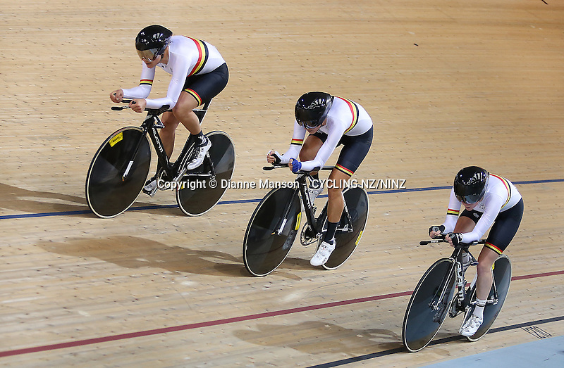 Waikato BOP's jaime Nielsen, top, Rushlee Buchanan and Racquel Sheath compete in the team pursuit at the Skoda Elite & U19 Track National Championships at the Avantidrome, Cambridge, New Zealand, Sunday, February 01, 2015. Photo: Dianne Manson /NINZ