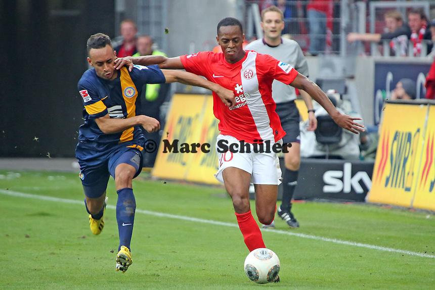 Junior Diaz (Mainz-) gegen Karim Bellarabi (Braunschweig) - 1. FSV Mainz 05 vs. Eintracht Braunschweig, Coface Arena, 10. Spieltag