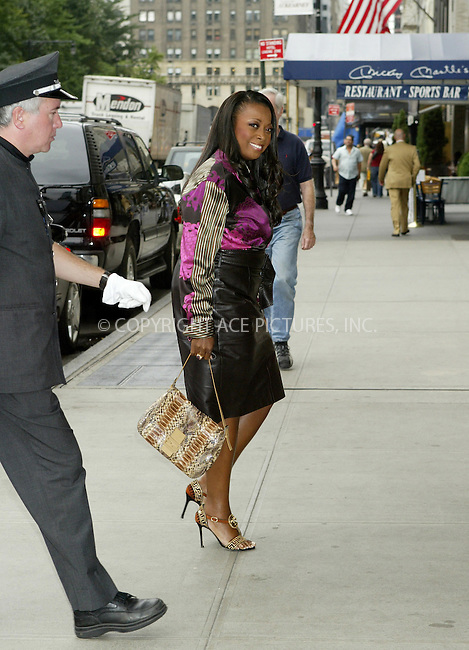 WWW.ACEPIXS.COM . . . . .  ....NEW YORK, SEPTEMBER 26, 2005....Star Jones seen outside her midtown hotel.....Please byline: JENNIFER L GONZELES-ACE PICTURES.... *** ***..Ace Pictures, Inc:  ..Craig Ashby (212) 243-8787..e-mail: picturedesk@acepixs.com..web: http://www.acepixs.com