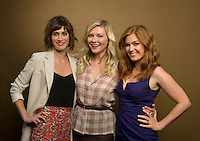 Lizzy Caplan, Kirsten Dunst and Isla Fisher