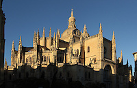 Segovia Cathedral, (Catedral de Segovia, Catedral de Santa Maria), 1525-77, by Juan Gil de Hontanon (1480-1526), and continued by his son Rodrigo Gil de Hontanon (1500-1577), Segovia, Castile and Leon, Spain. Last Gothic Cathedral in Spain, commissioned by Carlos V (1500-58), after an earlier cathedral was damaged in the Revolt of the Comuneros, 1520. Tower rebuilt, 1614; Dome c.1630 by Pedro de Brizuela (1555-1631); Cathedral consecrated, 1768. Picture by Manuel Cohen