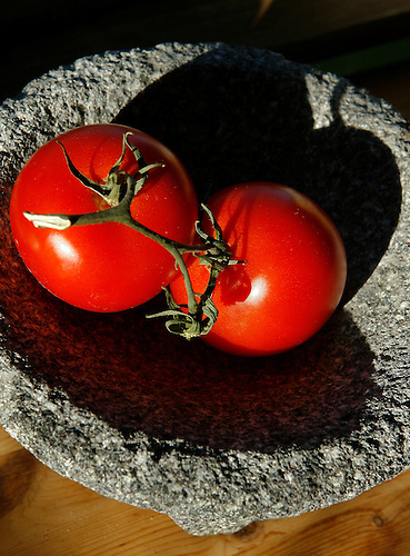 A file photo of tomatos was shot at the food editor, Peggy Grodinsky's home. (Thursday, Jan. 31, 2008, in Houston. ( Steve Campbell / Chronicle).