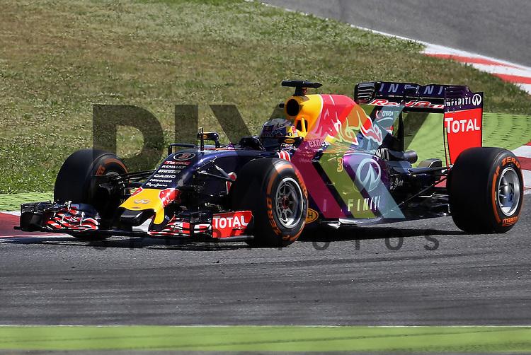 Barcelona, 10.05.15, Motorsport, Formel 1 GP Spanien 2015, Qualifying : Daniel Ricciardo (Red Bull Racing RB11, #03)<br /> <br /> Foto &copy; P-I-X.org *** Foto ist honorarpflichtig! *** Auf Anfrage in hoeherer Qualitaet/Aufloesung. Belegexemplar erbeten. Veroeffentlichung ausschliesslich fuer journalistisch-publizistische Zwecke. For editorial use only.