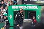 13.04.2019, Weserstadion, Bremen, GER, 1.FBL, Werder Bremen vs SC Freiburg<br /> <br /> DFL REGULATIONS PROHIBIT ANY USE OF PHOTOGRAPHS AS IMAGE SEQUENCES AND/OR QUASI-VIDEO.<br /> <br /> im Bild / picture shows<br /> Florian Kohfeldt (Trainer SV Werder Bremen) in Coachingzone / an Seitenlinie, <br /> <br /> Foto &copy; nordphoto / Ewert