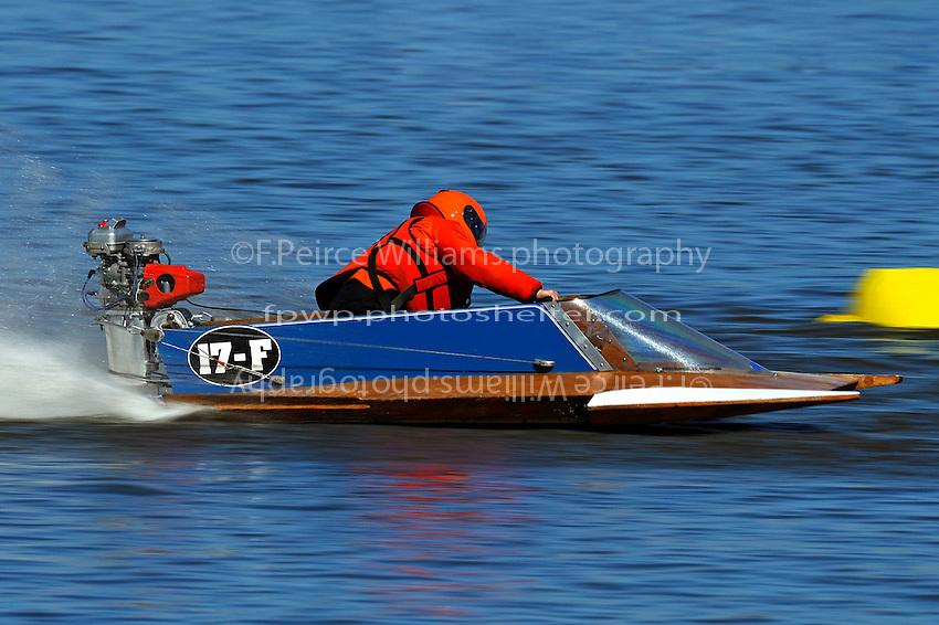 17-F   (outboard hydroplane)