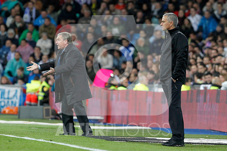 Real Madrid's coach Jose Mourinho (r) and Sporting de Gijon's coach Javier Clemente during La Liga match.April 14,2012. (ALTERPHOTOS/Acero)