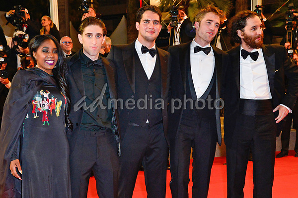 "25 May 2017 - Cannes, France - Taliah Webster, Buddy Duress, Ben Safdie, Robert Pattinson, Josh. ""Twin Peaks"" Premiere - The 70th Annual Cannes Film Festival. Photo Credit: Jan Sauerwein/face to face/AdMedia"