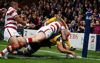 PICTURE BY VAUGHN RIDLEY/SWPIX.COM - Rugby League - Super League - Leeds Rhinos v Wigan Warriors - Headingley, Leeds, England - 01/06/12 - Leeds Ryan Hall scores a try.