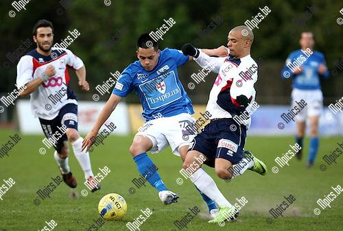 2010-04-17 / Voetbal / seizoen 2009-2010 / KV Turnhout - RFC Luik / Jason de Jong (L, Turnhout) heeft het aan de stok met Melisse..Foto: mpics