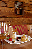 ITALY, Alta Badia/Dolomites, Apple desert dish served at Jimmy's H¸tte.