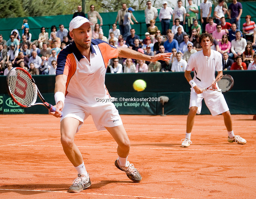12-4-08, Macedonie, Skopje, Daviscup, Macedonie- Nederland, Doubles Peter Wessels and Robin Haase(R)