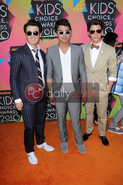 Kevin Jonas, Joe Jonas, Nick Jonas<br /> at the Nickelodeon's 23rd Annual Kids' Choice Awards, UCLA's Pauley Pavilion, Westwood, CA 03-27-10<br /> David Edwards/DailyCeleb.com 818-249-4998