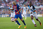 FC Barcelona's Javier Mascherano and Deportivo de La Coruna's  Ryan Babel during the La Liga match between Futbol Club Barcelona and Deportivo de la Coruna at Camp Nou Stadium Spain. October 15, 2016. (ALTERPHOTOS/Rodrigo Jimenez)