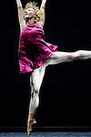 """CAELYN<br /> Caelyn Knight dans """"Quintett"""" de William Forsythe<br /> Ballet de l'Opéra de Lyon à l'Opéra de Lyon, le 23/09/2010"""