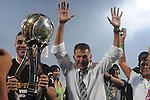 MEDELLÍN – COLOMBIA 15-12-2013 / En juego de vuelta de la gran final del Torneo Clausura Colombiano 2013, Atlético Nacional derrotó 2 – 0 a Deportivo Cali en el estadio Atanasio Girardot de Medellín y se coronó campeón de la Liga de Fútbol Profesional Colombiano. /