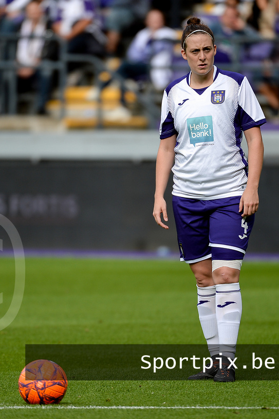 20190813 - ANDERLECHT, BELGIUM : Anderlecht's Britt Vanhamel (4) pictured during the female soccer game between the Belgian RSCA Ladies – Royal Sporting Club Anderlecht Dames and the Northern Irish Linfield ladies FC , the third and final game for both teams in the Uefa Womens Champions League Qualifying round in group 8 , Tuesday 13 th August 2019 at the Lotto Park Stadium in Anderlecht , Belgium  .  PHOTO SPORTPIX.BE | STIJN AUDOOREN