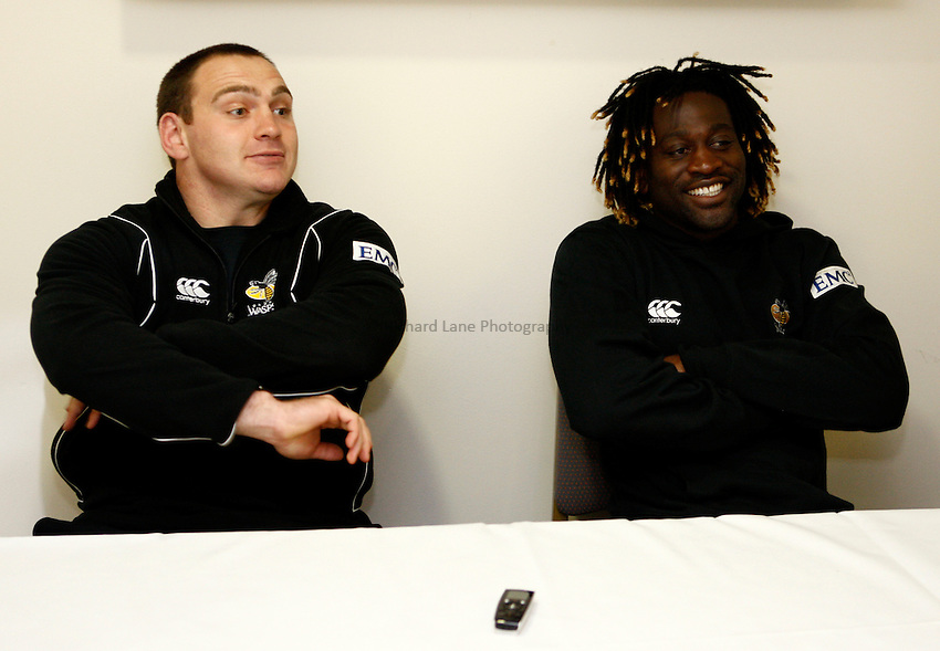 Photo: Richard Lane/Richard Lane Photography. London Wasps v Gloucester Rugby. LV= Cup. 15/11/2009. Wasps' forwards coach, Trevor Woodman and Paul Sackey.