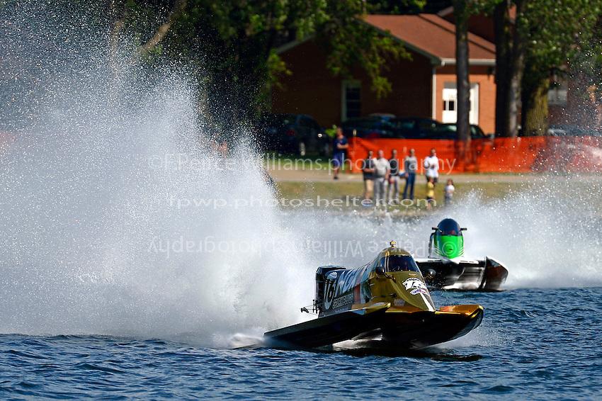 Tim Seebold (#16) and Chris Fairchild (#62)   (Formula 1/F1/Champ class)
