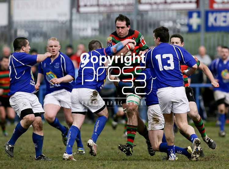 21.04.12<br /> Action from Fitzgerald Park Limerick, Thomond V Highfield. Highfield's Dave Kelly takes on the Thomond defence. Picture: Alan Place/Press 22.