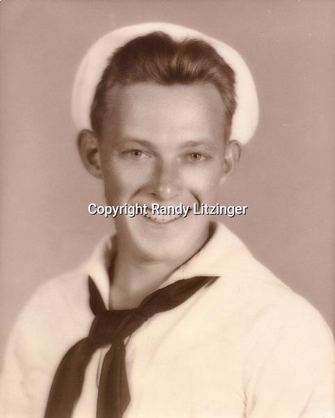 Wade Litzinger - Navy portrait taken in Memphis, TN  - 1943