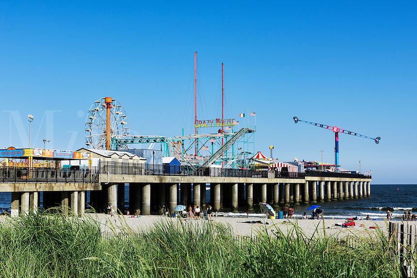 Atlantic City beach and Steel Pier amusement park, New Jersey, USA