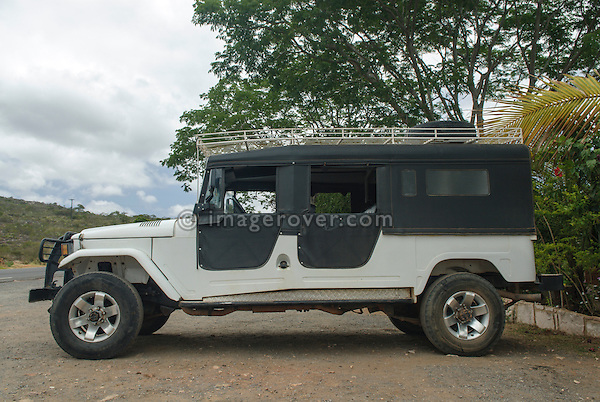 Toyota Bandeirante (J45) tour vehicle. Brazil, Bahia, Lencois, Parque Nacional de Chapada Diamantina. --- No releases available. Automotive trademarks are the property of the trademark holder, authorization may be needed for some uses.