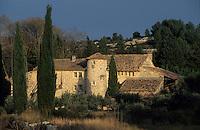 Europe/France/Provence-Alpes-Côte d'Azur/13/Bouches-du-Rhône/Env d'Eygalières : Mas provençal