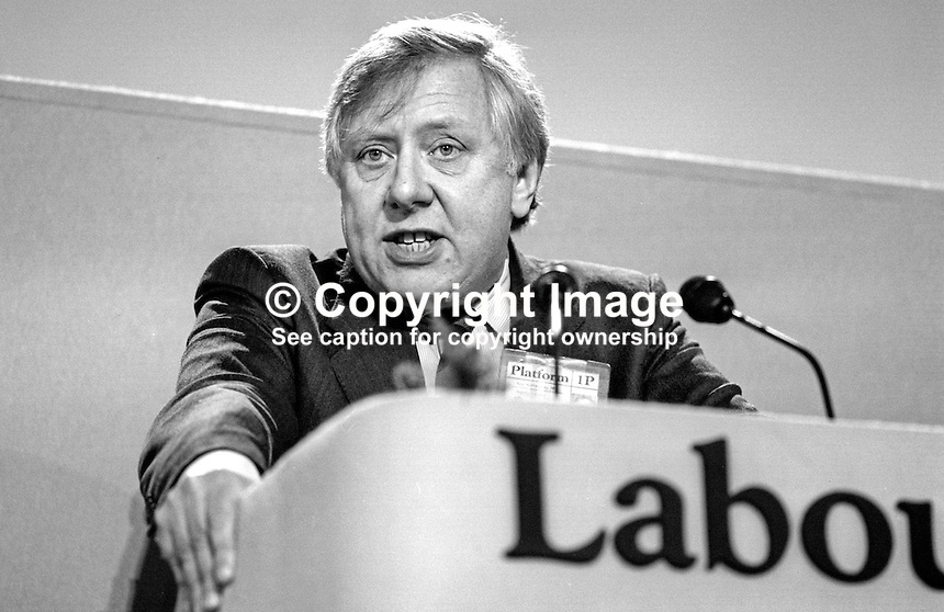 Roy Hattersley, MP, Labour Party, UK, Shadow Chancellor of the Exchequer, speaking at his party's annual conference September 1986. 19860925RH1<br />