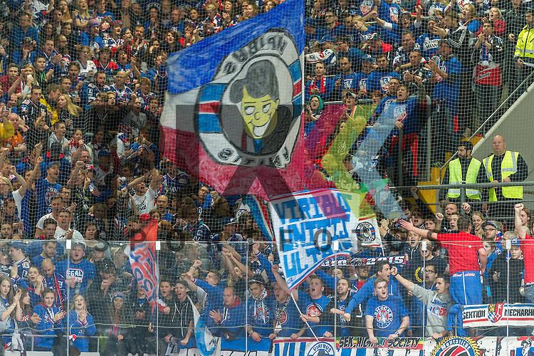 Eishockey, DEL, EHC Red Bull M&uuml;nchen - Adler Mannheim <br /> <br /> Im Bild die Mannheimer Fans bejubeln das Tor der eigenen Mannschaft  beim Spiel in der DEL EHC Red Bull Muenchen - Adler Mannheim.<br /> <br /> Foto &copy; PIX-Sportfotos *** Foto ist honorarpflichtig! *** Auf Anfrage in hoeherer Qualitaet/Aufloesung. Belegexemplar erbeten. Veroeffentlichung ausschliesslich fuer journalistisch-publizistische Zwecke. For editorial use only.