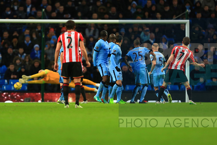 Sebastian Larsson of Sunderland sees his free kick saved - Manchester City vs. Sunderland - Barclay's Premier League - Etihad Stadium - Manchester - 28/12/2014 Pic Philip Oldham/Sportimage