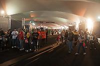 ATENCAƒO EDITOR FOTO, EMBARGADA PARA VEICULOS INTERNACIONAIS. - RIO DE JANEIRO, RJ, 15 DE SETEMBRO DE 2012 - RIO HARLEY DAYS 2012 - Movimentacao no segundo dia do Rio Harley Days 2012. Sucesso na Espanha, Franca, Alemanha e Croacia, o evento desembarca para sua segunda edicao no Brasil, na Marina da Gloria, zona sul do Rio de Janeiro, neste sabado, 15.  FOTO BRUNO TURANO BRAZIL PHOTO PRESS