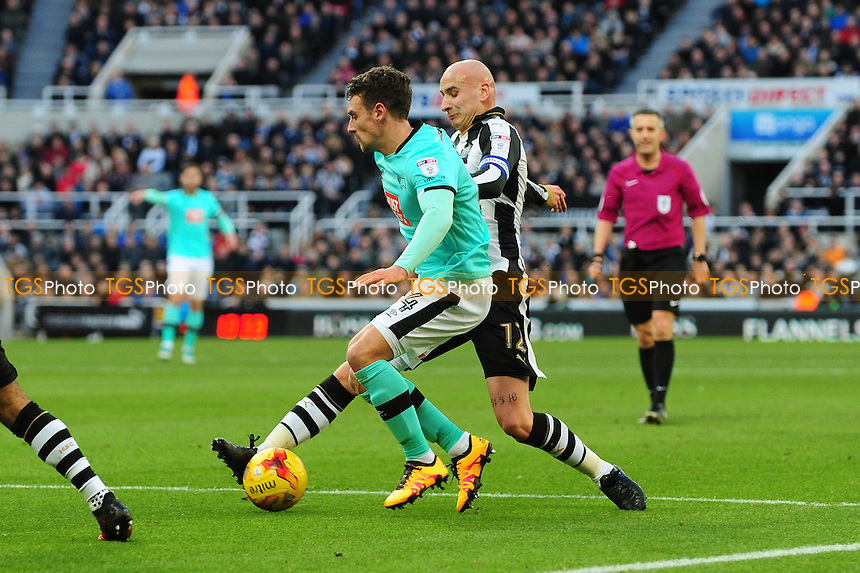 Jonjo Shelvey of Newcastle United tackles Craig Bryson of Derby County during Newcastle United vs Derby County, Sky Bet EFL Championship Football at St. James' Park on 4th February 2017