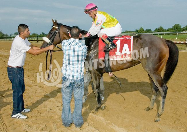 Grace Hall winning The Delaware Oaks (gr 2) at Delaware Park on 7/14/12