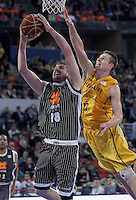 Herbalife Gran Canaria's Spencer Nelson (r) and Uxue Bilbao Basket's Adrien Moerman during Spanish Basketball King's Cup match.February 07,2013. (ALTERPHOTOS/Acero) /NortePhoto