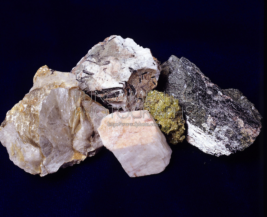 IGNEOUS ROCK: Common Component Minerals - Silicates<br />
