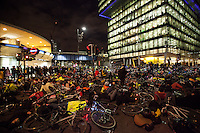 29.11.2013 - Stop The Killing Of Cyclists - Die-In and Vigil at TfL HQ
